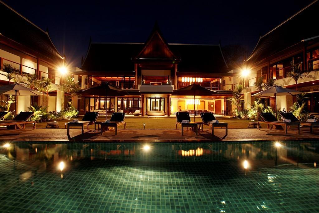 Villa @ Night - 013