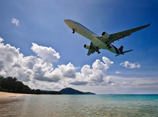 new-terminal-at-phuket-international-airport2-e1330428831783